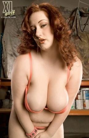 image Woman desires a weiner