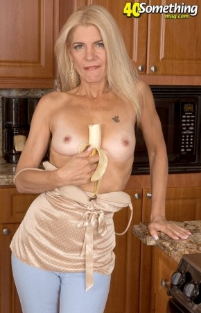 Barbie Page - Solo MILF photos