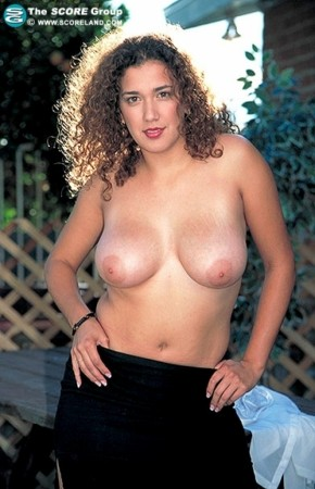 Belle - Solo Big Tits photos
