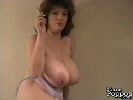 Diane Poppos - Solo MILF video
