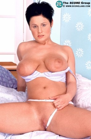 Daniella - Solo Big Tits photos