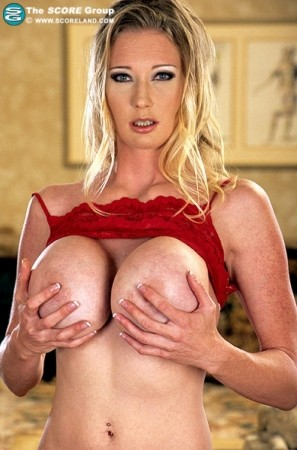 Darby -  Big Tits photos