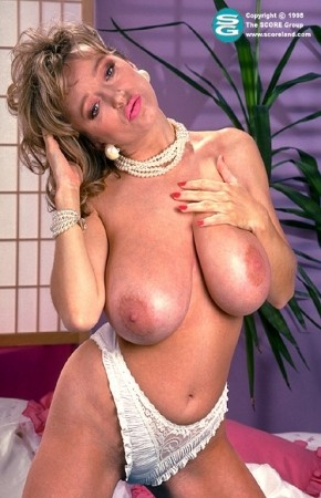 Debbie Jordan - Solo Big Tits photos