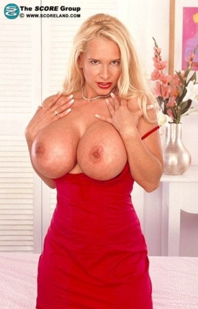 Tania Angel - Solo Big Tits photos