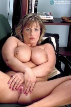 Donna -  Big Tits photos