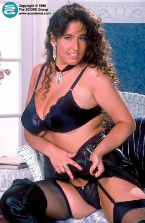 Elaine -  Big Tits photos
