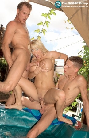 Holly Halston Threesome In A Hot Tub 111