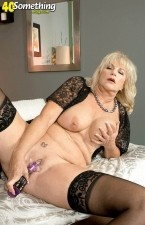 Anneke Nordstrum - Solo MILF photos