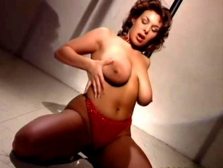 Katie - Solo Big Tits video