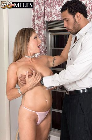 Luna Azul - XXX MILF photos