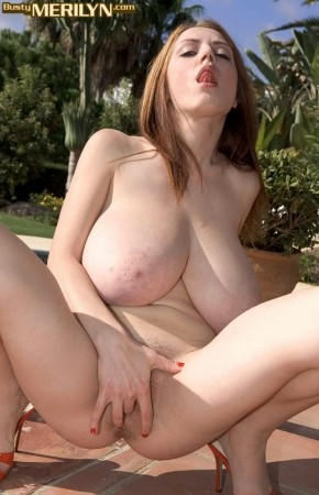 Merilyn Sakova - Solo Big Tits photos thumb