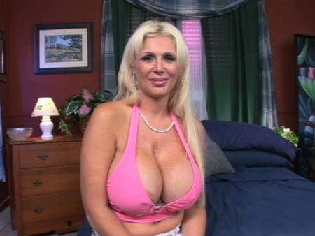 Kayla Kupcakes - XXX Big Tits video