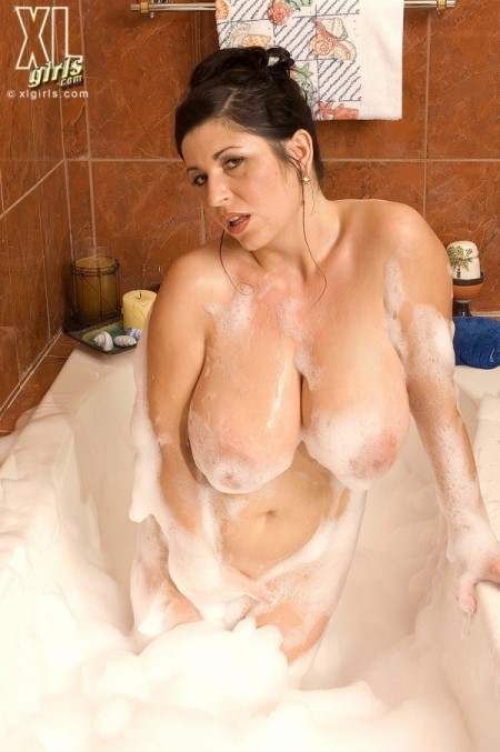 Natalie Fiore Bubbles and Breasts