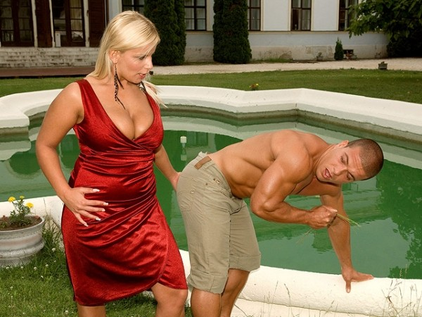 Lucy Love The Gardener The Busty Mistress 91