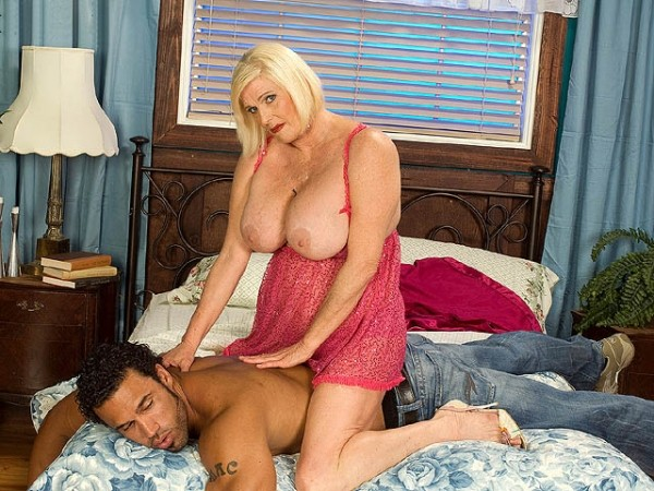 Rose Marie Rub Me Hard 91