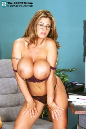 Crystal Gunns - Solo Big Tits photos