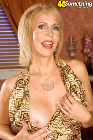 Erica Lauren - XXX MILF photos