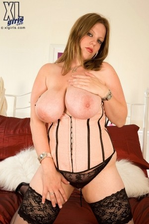 Amber Lee - Solo BBW photos
