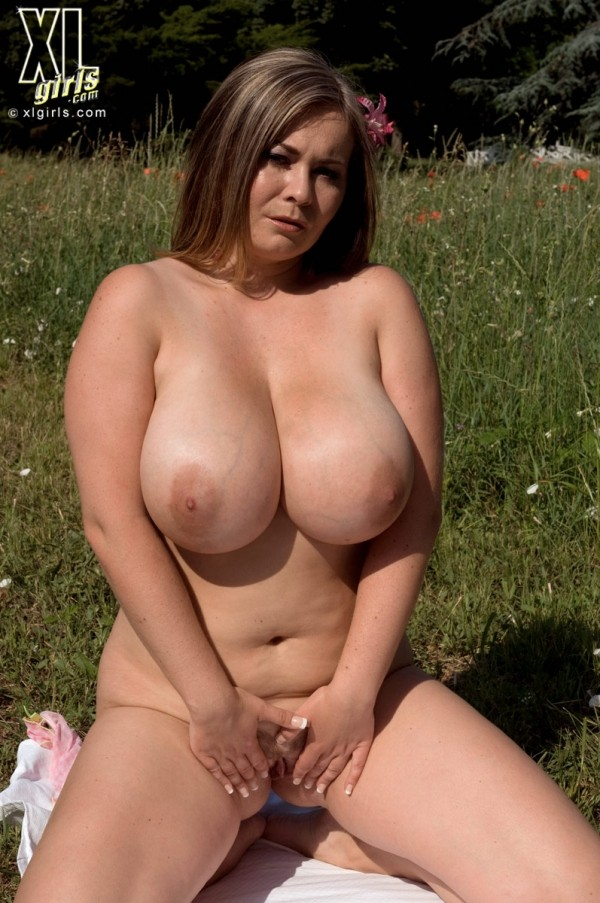 Jana - Solo BBW photos