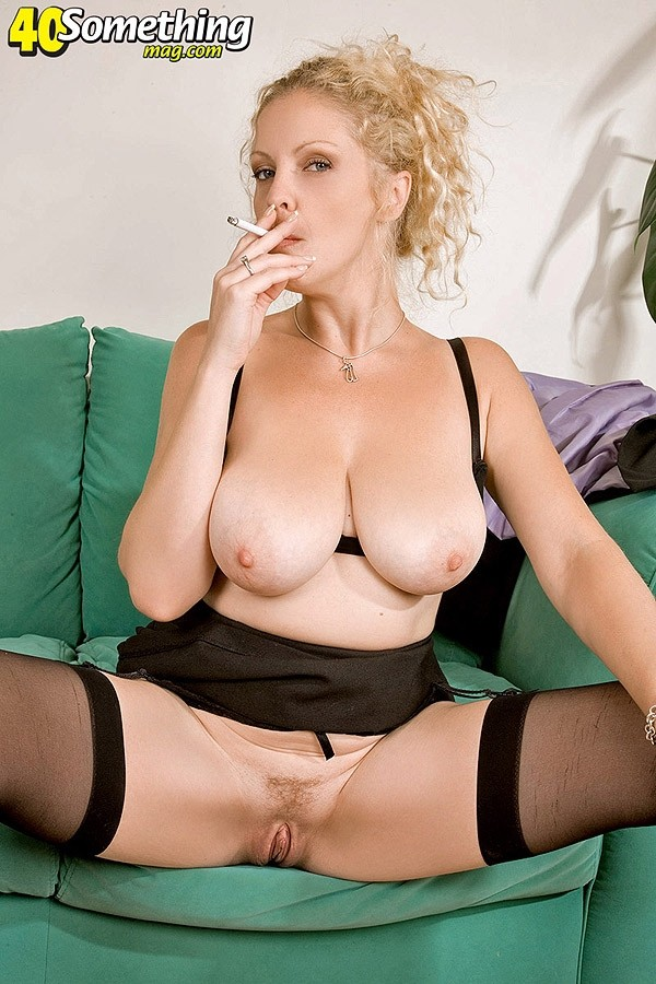 Terry - Solo MILF photos
