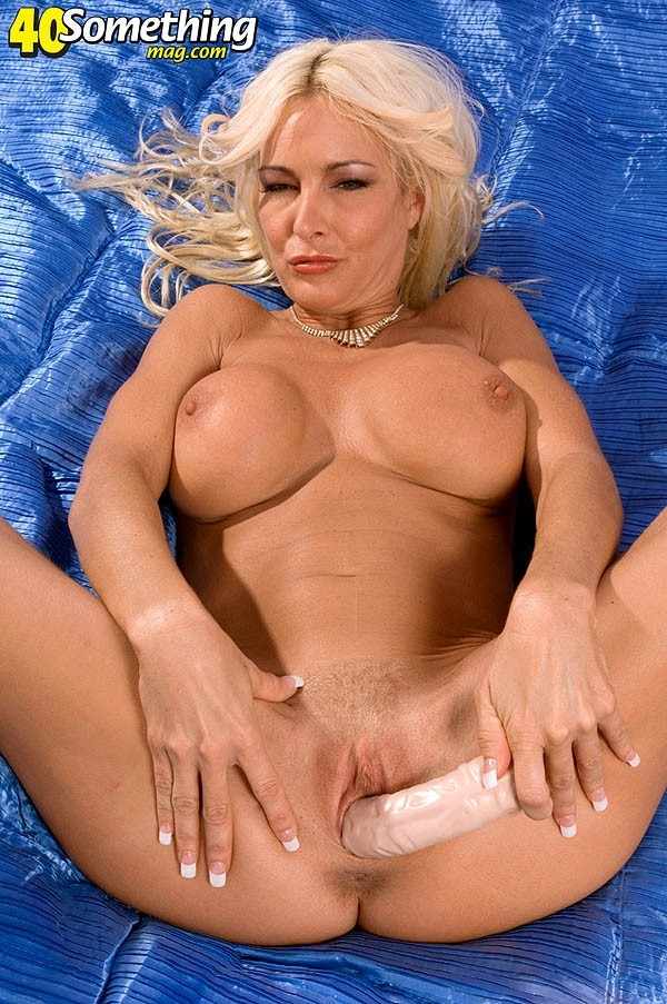 Brianna Wildman - Solo MILF photos