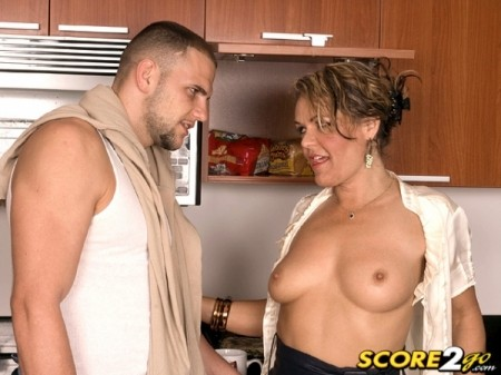 Kelly Leigh - XXX MILF video