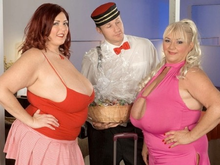Peaches LaRue - XXX Big Tits video