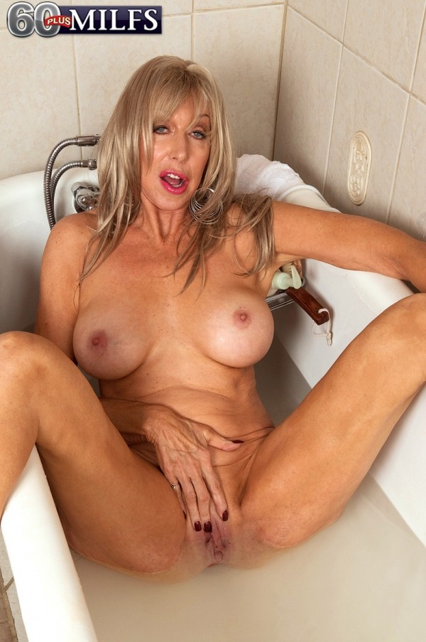 Christy Cougar - Solo Granny photos