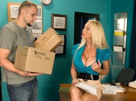 Porsche Lane - XXX MILF video