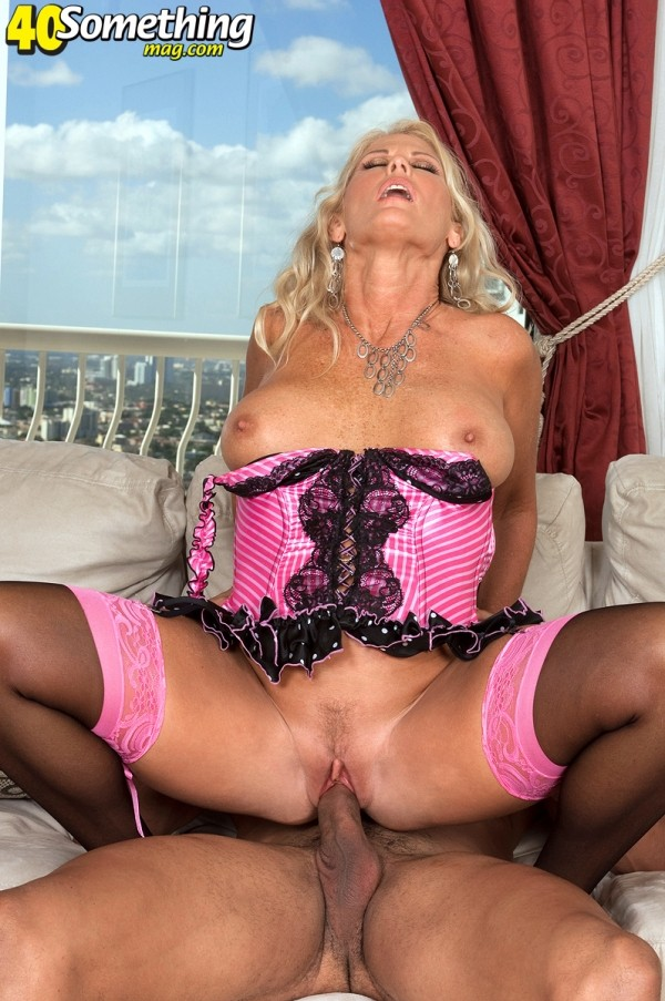 Charley Rose - XXX MILF photos