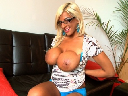 Taylor Stevens - Solo Big Tits video