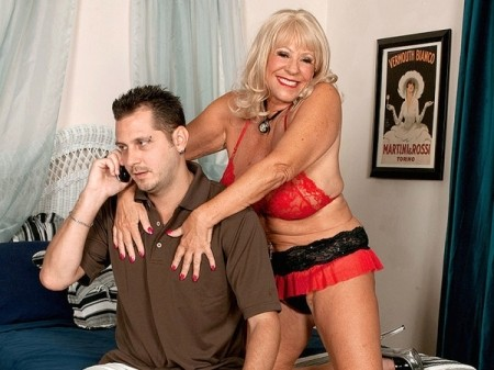Mandi McGraw - XXX Granny video
