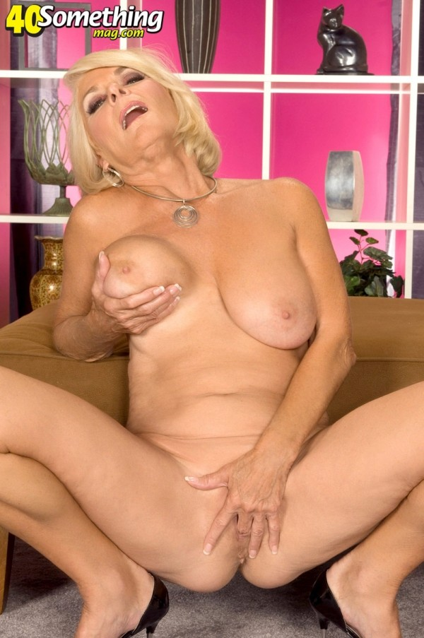 Georgette Parks - Solo MILF photos