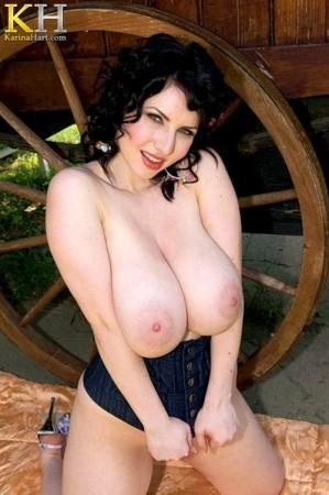 Karina Hart WHY WE LOVE BIG TITS: A PHOTO ESSAY karinahart.com