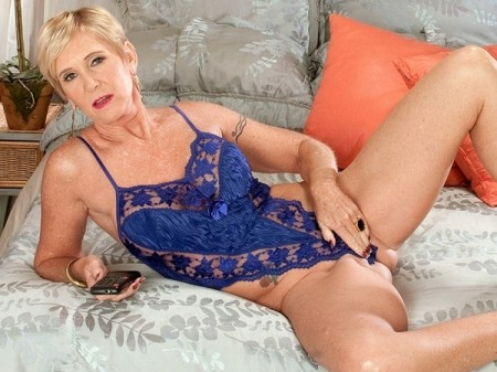 Looks deliciously honey ray milf video pussy beautiful! delicious!