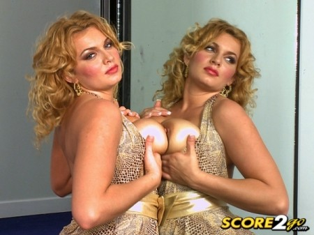Anna Loren - Solo Big Tits video