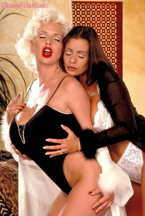 Linsey Dawn McKenzie - Girl Girl Big Tits photos