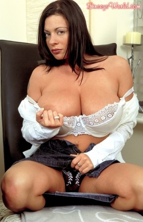 Linsey Dawn McKenzie Window Dressing linseysworld.com