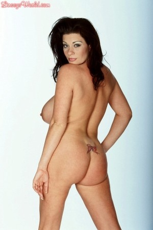 Linsey Dawn McKenzie Under the Microscope linseysworld.com