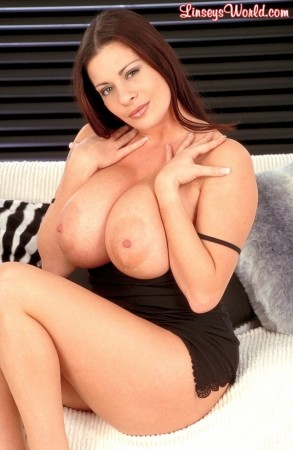 Linsey Dawn McKenzie Loafin' Around linseysworld.com