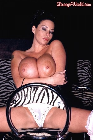 Linsey Dawn McKenzie Cabaret of Cleavage linseysworld.com