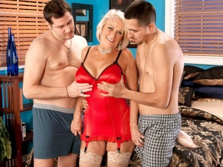 Georgette Parks - XXX MILF video