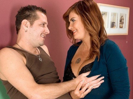 Sunny Ray - XXX MILF video