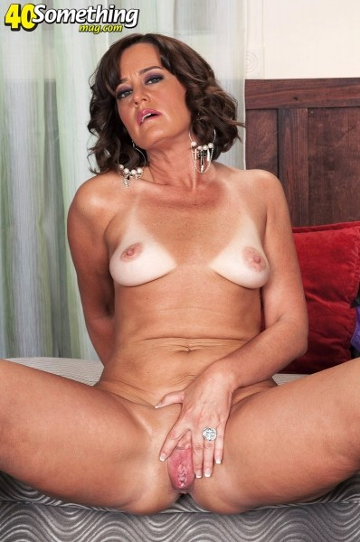Ruby Thompson - Solo MILF photos
