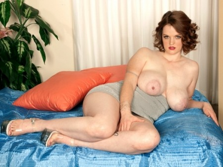 Bebe Cooper - Solo Big Tits video