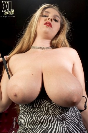 April McKenzie - Solo Big Tits photos