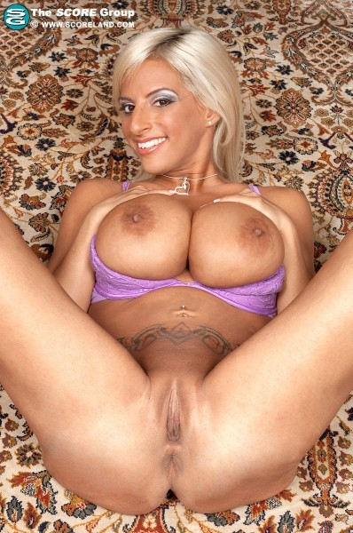 Taylor Stevens - Solo Big Tits photos