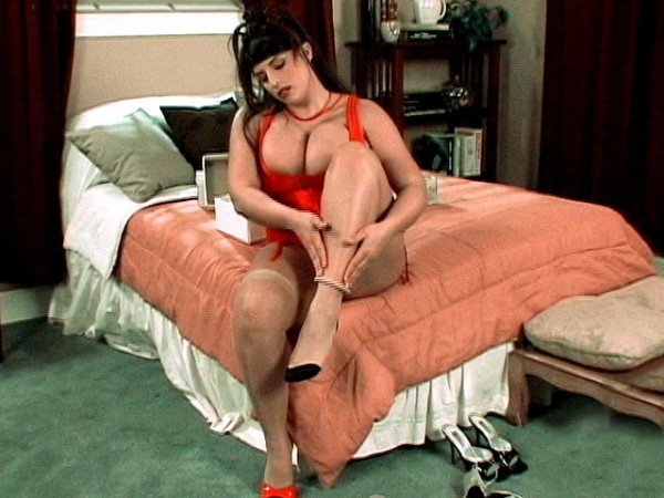 Kerry's Leg And Foot Show