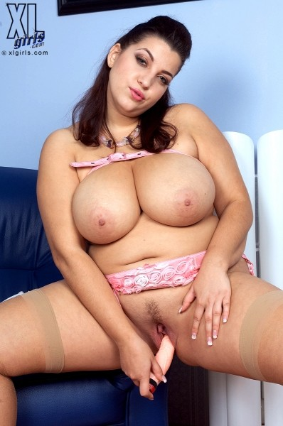 Angelina Vallem - Solo BBW photos