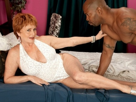 Valerie - XXX MILF video